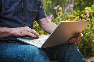 Karena menurut pembicara internet marketing di Situbondo, dengan jaringan yang baik, bisnis akan lebih cepat berkembang.